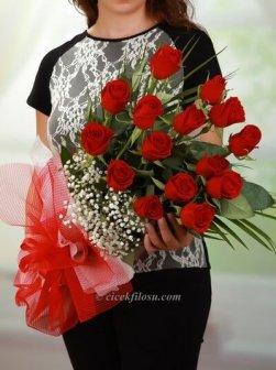 Kıpkırmızı Aşk 15 Kırmızı Gül